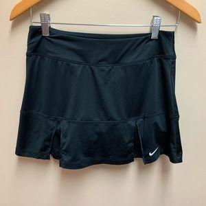 Nike Tennis  dri fit pleated tennis skort size S